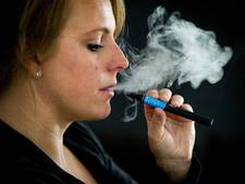 Meeroken met e-sigaret toch slecht
