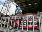Twee Ajax-supporters belaagd in Deventer
