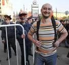 Kritische Russische journalist zet eigen dood in scène om te ontsnappen aan huurmoordenaars