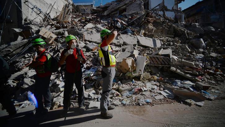 Teruglezen: Dodental aardbeving Italië opgelopen naar 250