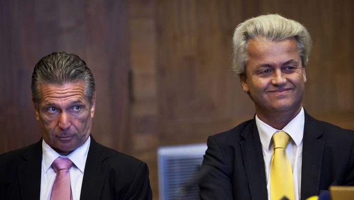 PVV leider Geert Wilders (R) en Tweede Kamerlid Louis Bontes (L)