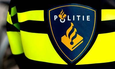 Bestuurder in busje rijdt door na aanrijding in Driebergen