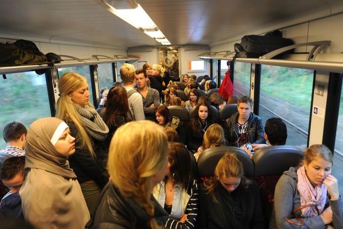 Drukte in de trein naar Nijmegen.