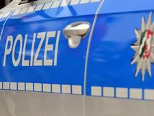 Vrouw overleden nadat ze klem kwam te zitten tussen bus en lantaarnpaal