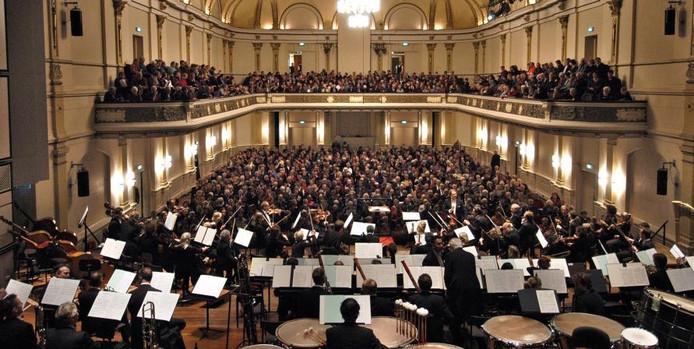 HGO tijdens een concert in Musis Sacrum.