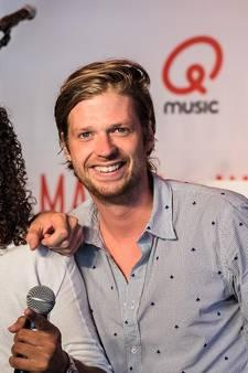 Mattie & Wietze verrassen zieke Mika met concert Miss Montreal