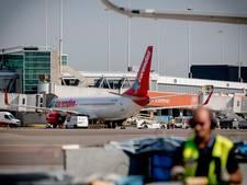 'Vlieginfarct en dure vakanties als Schiphol op slot gaat'