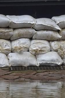 Meer zandzakken door tv-serie over brekende dijken