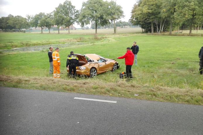 Bij het ongeval raakte de auto flink beschadigd.