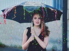 Instagramkoningin (16) exposeert op CS Amsterdam