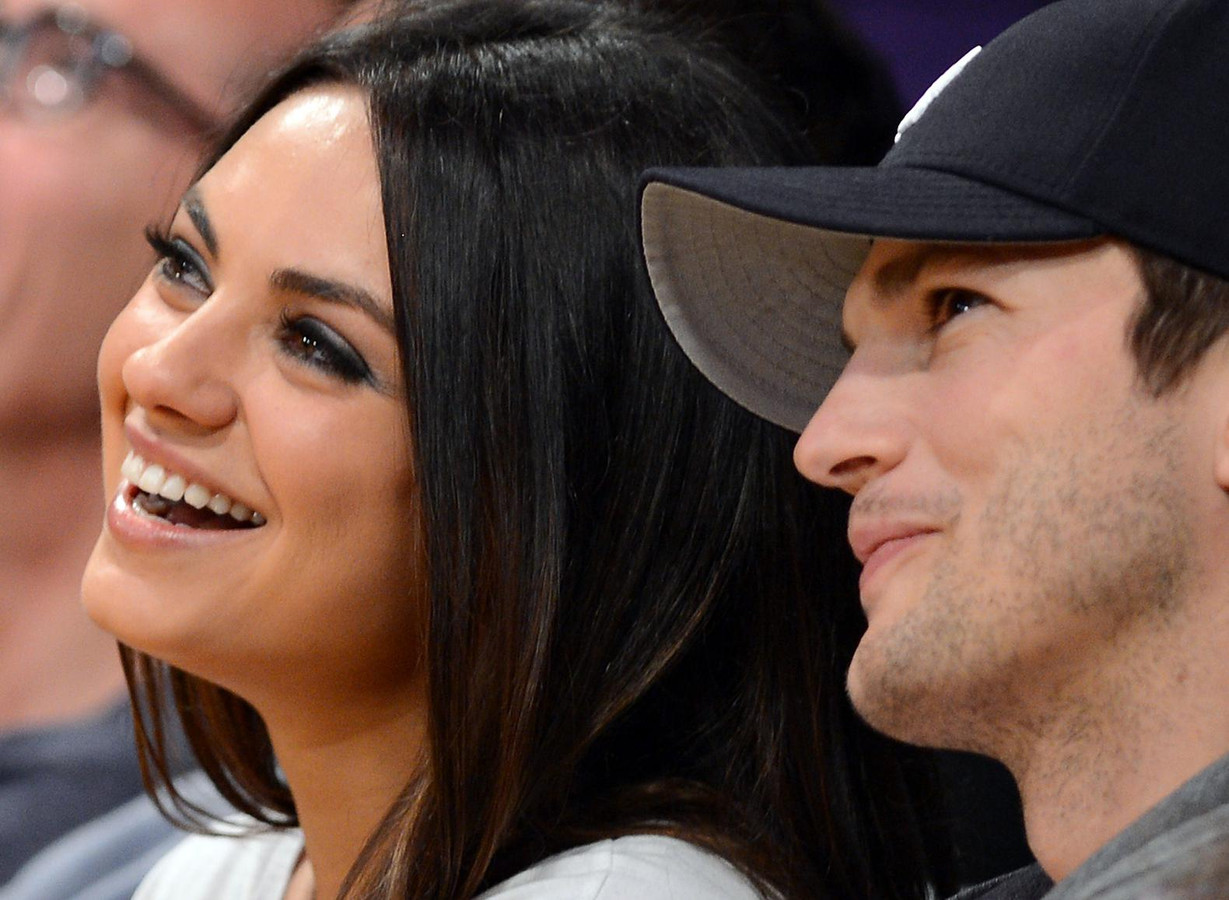 Mila Kunis en Ashton Kutcher verwelkomen tweede kindje | Foto | AD.nl Ashton Kutcher
