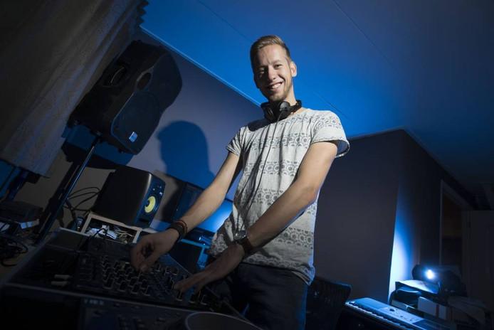 Koen Hol is finalist bij de Dancetour DJ Clash 2016.