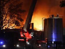 Grote brand bij bijenwasbedrijf in Bladel