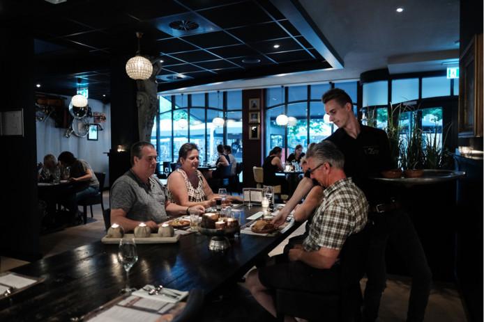 Tapas eten is populair, blijkt bij restaurant 't Zusje in Doetinchem.