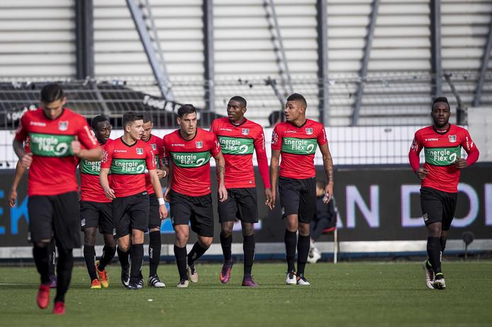 Spelers van NEC vieren de 2-2 tegen Excelsior.