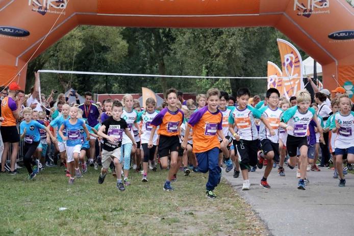 Deelnemers aan de Kidsrun.