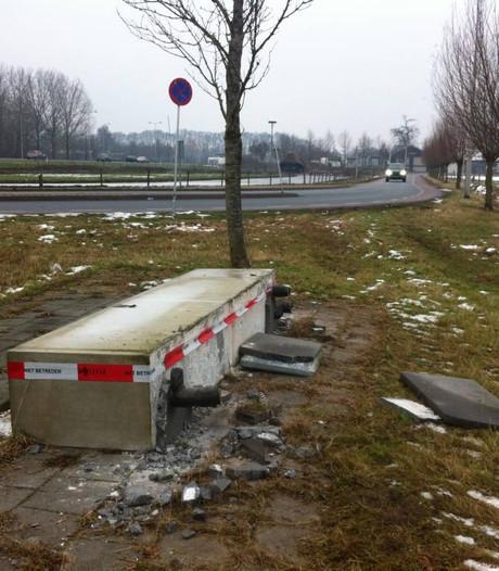 Bronzen beeld De Landman vernield voor 10 euro aan buit