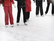 Eén dag ijspret op schaatsbaantje Scouting Angeren