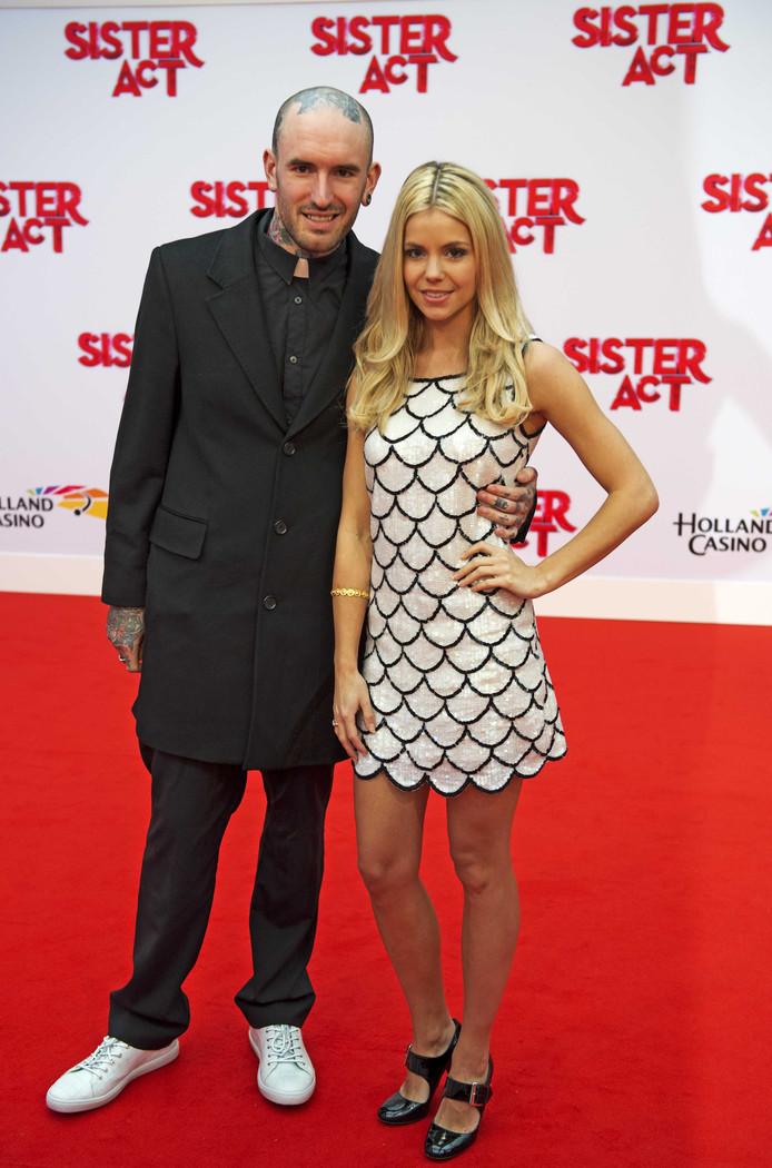 en Saunders en Yvonne Coldeweijer bekend als Keet! bij de premiere van de musical Sister Act in het Circustheater.