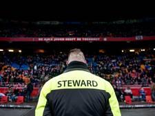 Kwetsende voetbalfans worden ArenA uitgezet