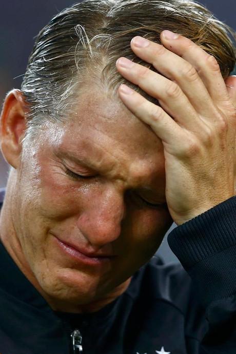 Schweinsteiger in tranen voor laatste interland