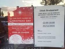 Turks restaurant biedt daklozen en bejaarden gratis kerstmaaltijd
