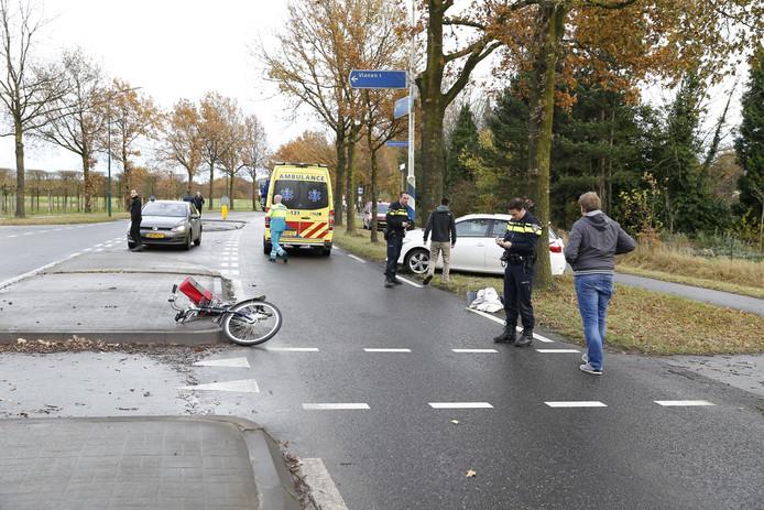 Hulpdiensten op de plek van het ongeval in Cuijk.