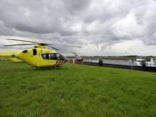 Man (20) met paramotor neergestort in weiland Zeewolde