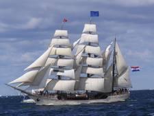 Tall ship Europa arriveert in Scheveningen