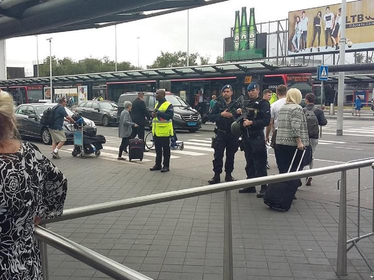Extra controles op en rond Schiphol na signaal dreiging