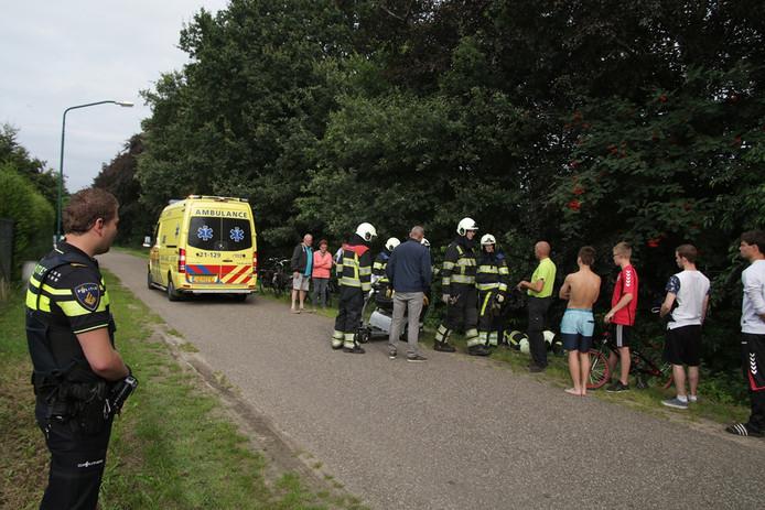 De reddingsactie van de brandweer trok veel bekijks.