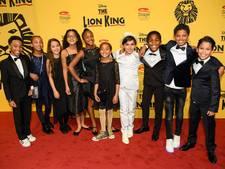 Baarnse Emmie (12) en Esther (10) als kleine Nala in musical The Lion King