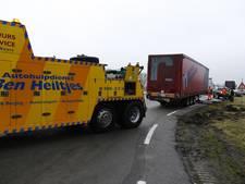 Diesel op N271 na eenzijdig ongeval in Gennep
