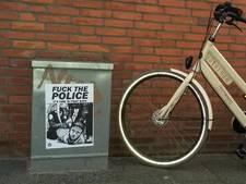 'Fuck the police'-posters opgehangen in Den Haag