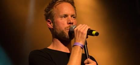 Diggy Dex dankbaar voor optredens met Guus Meeuwis