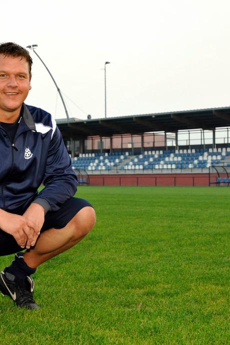 Trainer Versluis gaat SC Woerden verlaten
