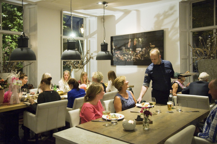 Rustiek, maar alles behalve saai eten in het restaurant van Het Oude Politiebureau.