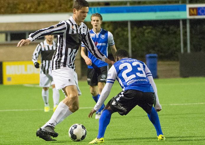 Jong Achilles'29 verloor zaterdagavond 1-2 van Jong FC Den Bosch. Foto