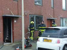 Twee personen gered na keukenbrand op Beetsstraat