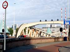 Koninginnebrug in Rotterdam hele maand dicht voor auto's