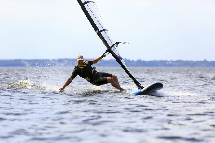 Tijdens DAM-X wordt de finale van het Europees kampioenschap freestyle windsurfen gehouden.