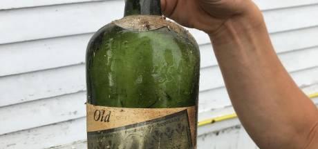 Ils découvrent 66 bouteilles de whisky dans les murs et sous le plancher de leur nouvelle maison