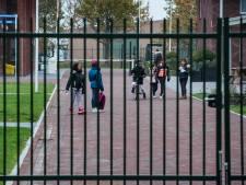 Weer bus vol Moldaviërs bij asielzoekerscentrum in Ter Apel