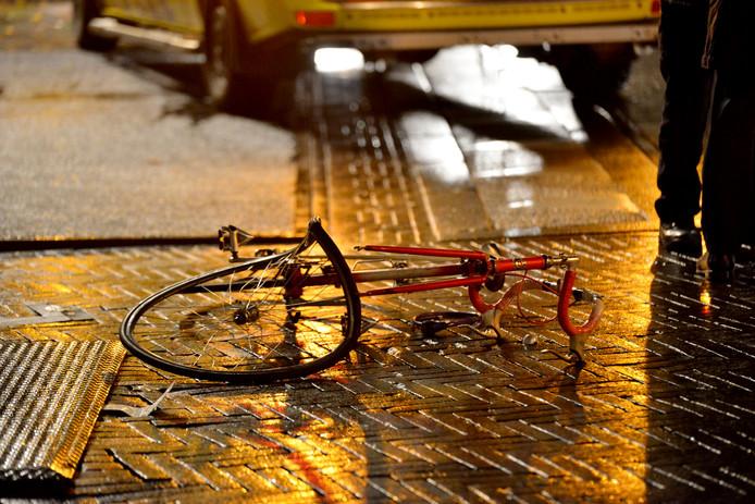 Fietser gewond én bekeurd bij weer een aanrijding op Prinsenkade in Breda