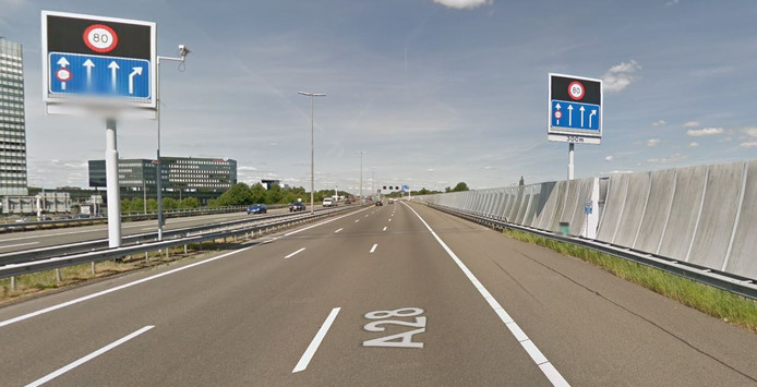 Kantelwalsborden langs de A28 bij het naderen van afrit 19 naar Zwolle-Centrum.
