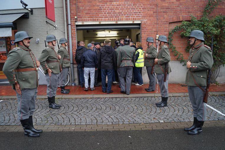 De Duitse soldaten zijn in het echt reservisten van de Belgische Marine.
