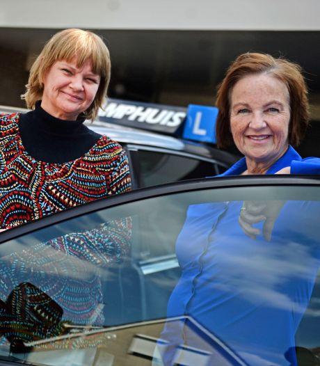 Zussen uit Rijssen zetten bedrijf van pa voort: 'Met 7 jaar al achter het stuur'