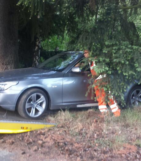 Dronken Belg (19) liep weg na crash met BMW in Budel, geen signalen van straatrace