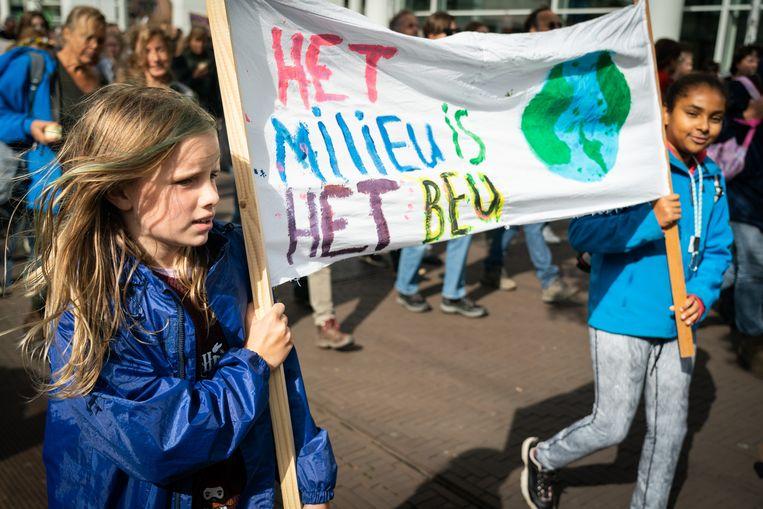 Klimaatstaking #WijStakenMee in Den Haag, begonnen door Greta Thunberg. Beeld Martijn Beekman