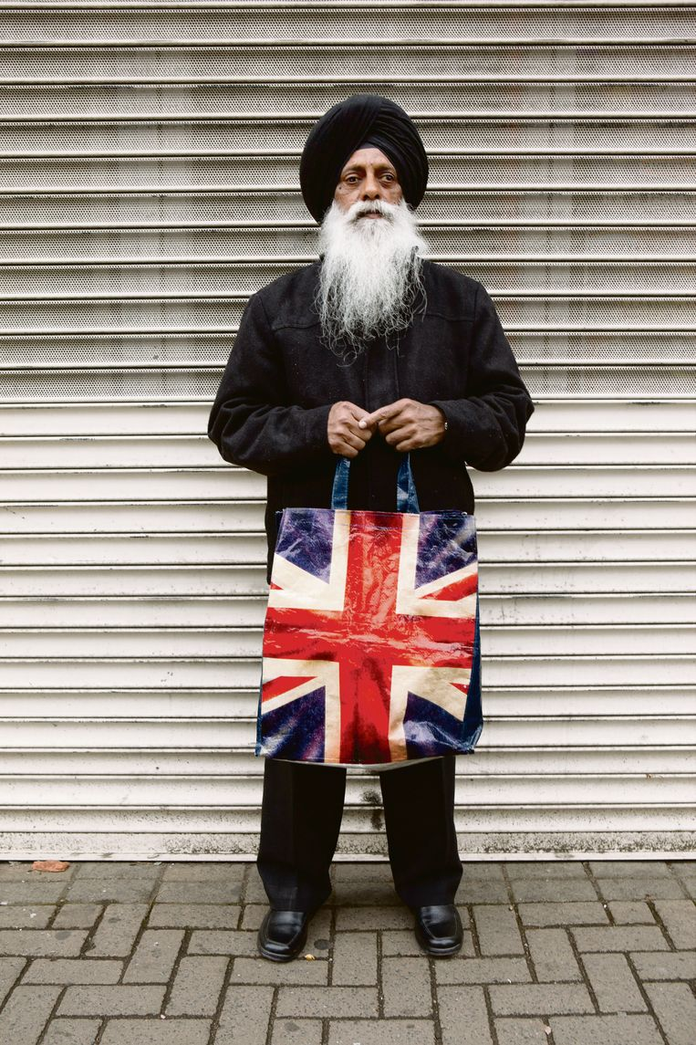GB. England. Walsall. Willenhall Market. The Black Country. An area in the midlands, The Black Country gained its name in the mid nineteenth century due to the smoke from the many thousands of ironworking foundries and forges. Harbhajan Singh. 2011. Beeld Martin Parr/Magnum Photos